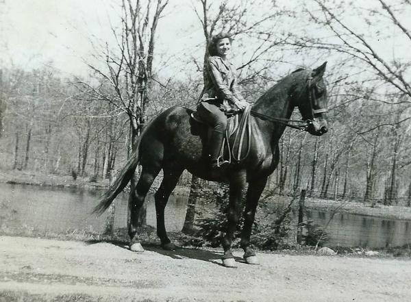 betty-horse2