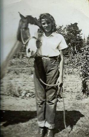 betty-horse3