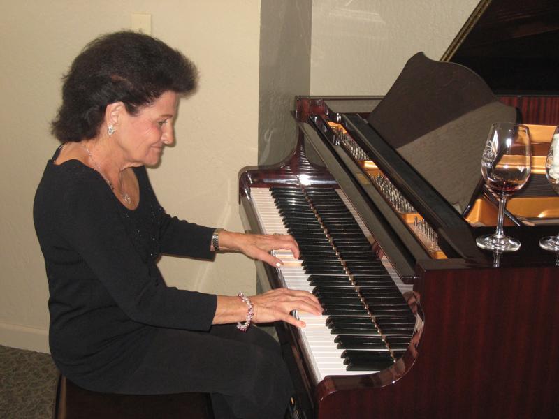 lena-piano
